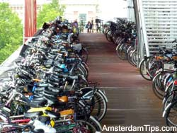 bike parking amsterdam