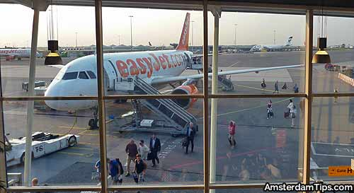 easyjet at amsterdam schiphol airport