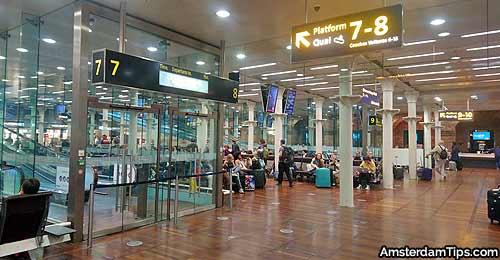 eurostar departures lounge area st pancras