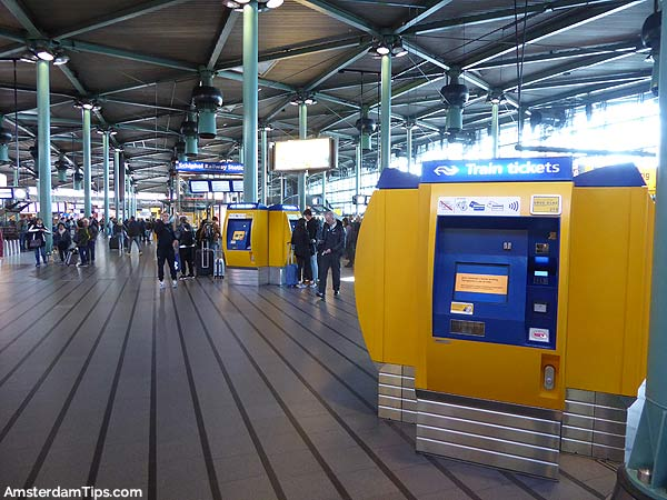 amsterdam schiphol airport train station hall