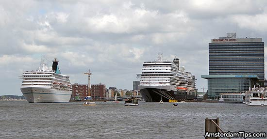 cruise ship amsterdam