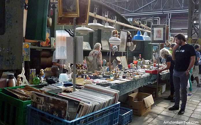 ij-hallen flea market amsterdam