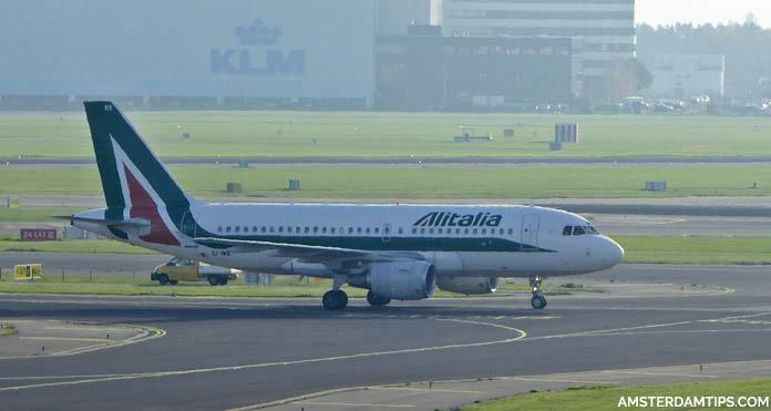 alitalia aircraft at amsterdam