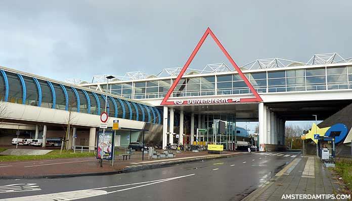 duivendrecht station amsterdam