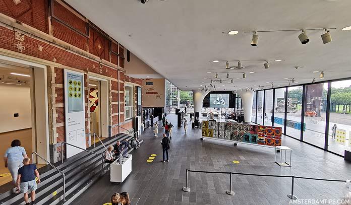 stedelijk entrance hall
