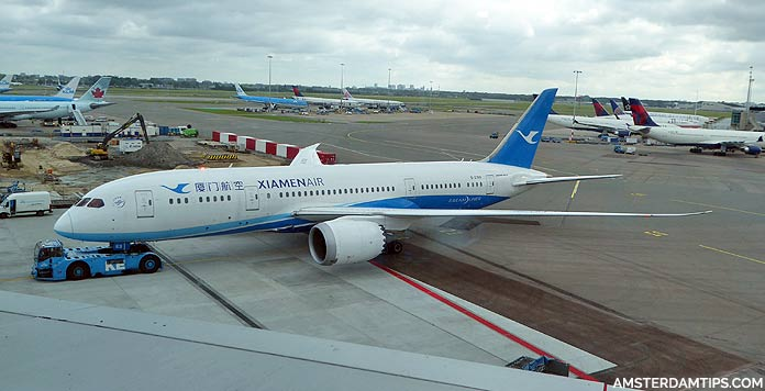 xiamen air boeing 787 at amsterdam