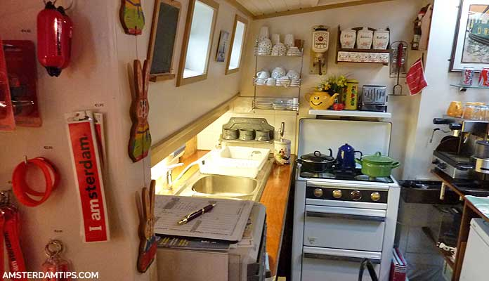 kitchen in houseboat museum amsterdam