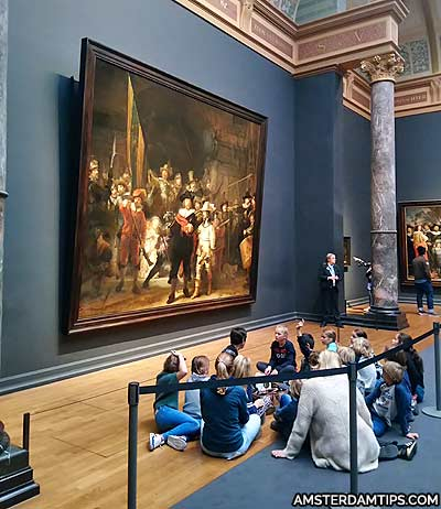 children at the nightwatch rijksmuseum amsterdam