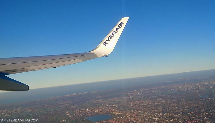 ryanair flight amsterdam-dublin