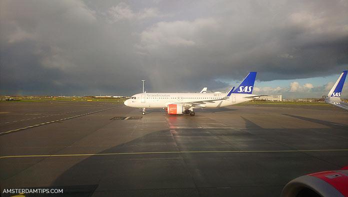 sas aircraft at amsterdam