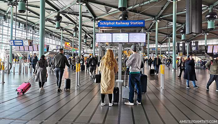 schiphol airport rail station hall