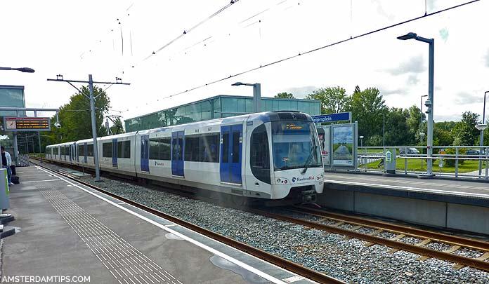 rotterdan metro train line E