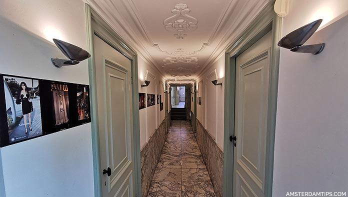 huis marseille museum corridor