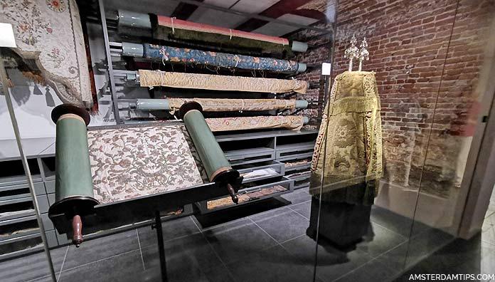 portuguese synagogue amsterdam treasure chambers