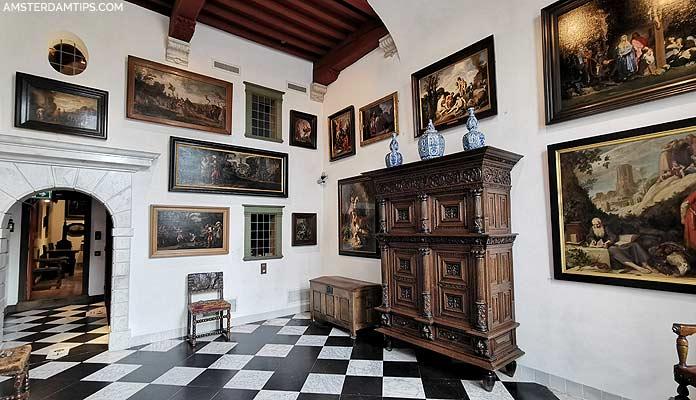 rembrandt house entrance hall