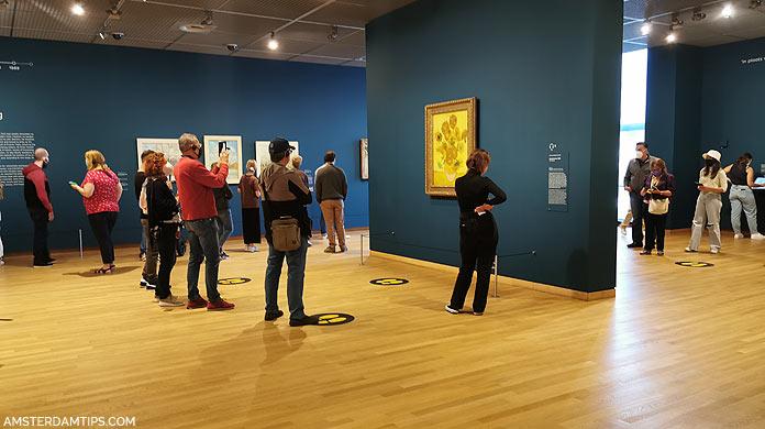 van gogh museum sunflowers gallery