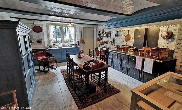 van loon house amsterdam kitchen