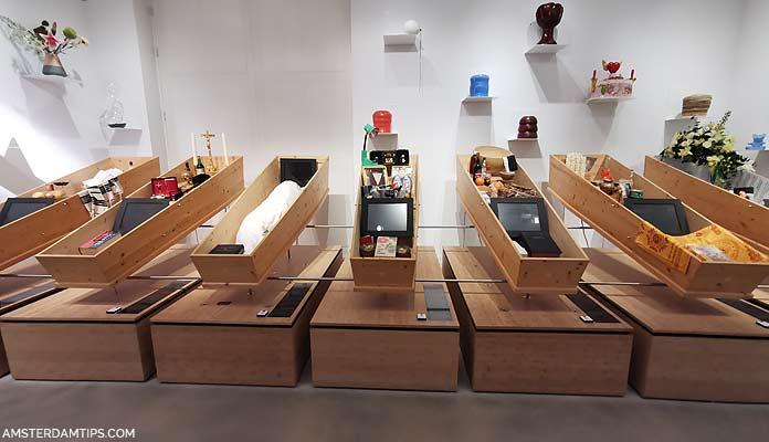 tot zover coffines exhibit